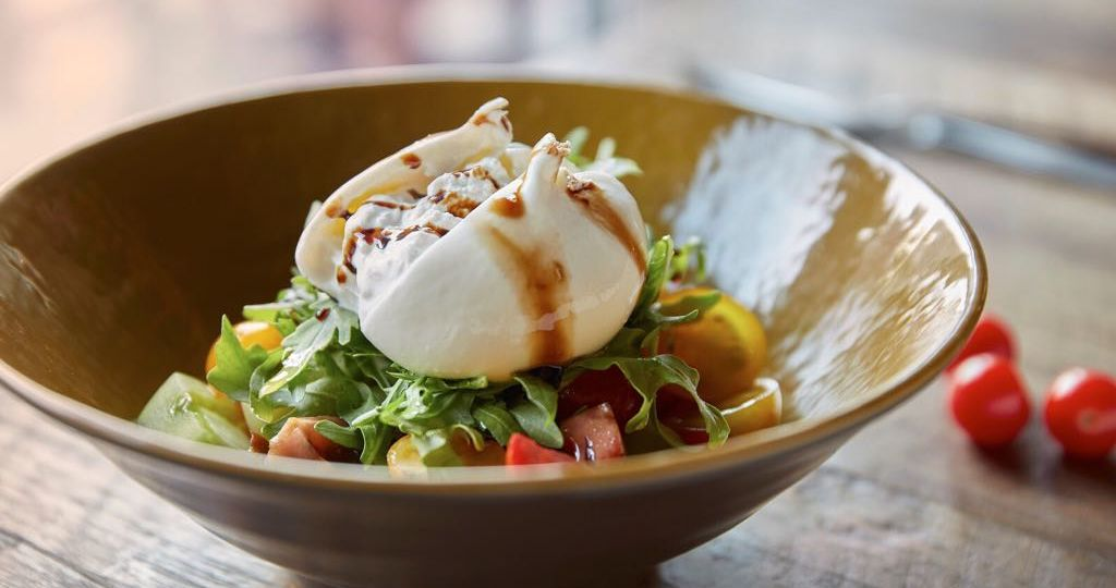 buratta-cheese-salad